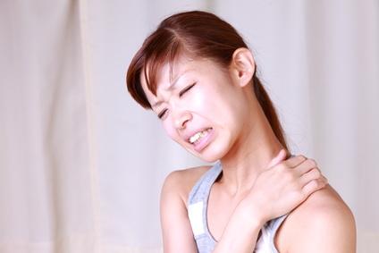 胸郭出口症候群で悩んでいる人